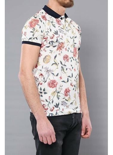 Wessi Polo Yaka Desenli T-Shirt Krem